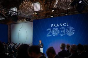 France 2030 : Emmanuel Macron annonce un plan d'investissement de 30 milliards d'euros pour la « France de demain » avec un focus particulier sur l'automobile